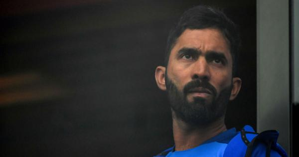 England vs Sri Lanka: Dinesh Karthik comes in for criticism after making sexist comment on air