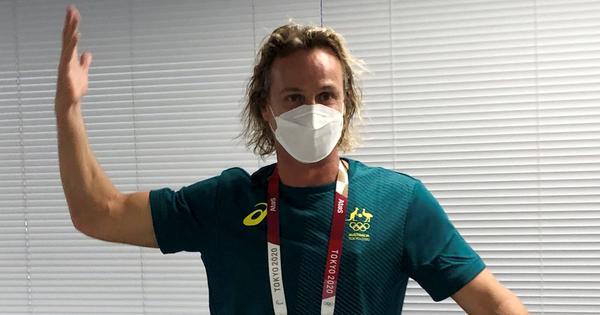 'I think I went outside of my body': Aussie swimming coach apologises for mask-tearing celebration