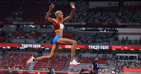 Watch: Venezuela's Yulimar Rojas wins triple jump gold at Tokyo 2020 with world record