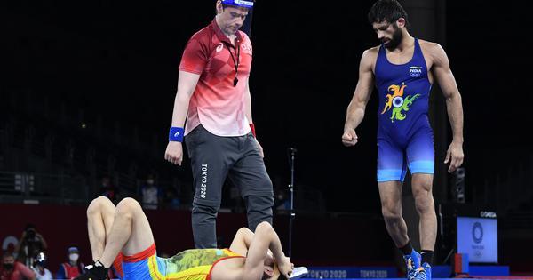 Tokyo 2020: Watch – The sensational takedown that took Ravi Kumar Dahiya to the gold medal bout