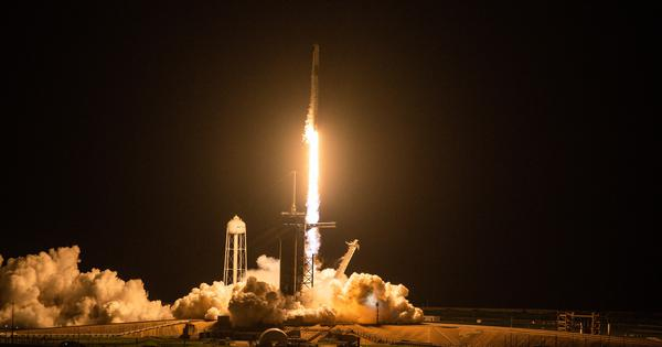 In a first, all-civilian crew goes into orbit aboard SpaceX rocket