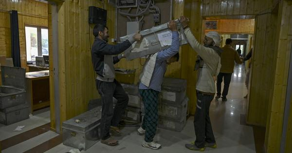 Why businessmen in Jammu are mourning the end of the J&K government's 'darbar move'