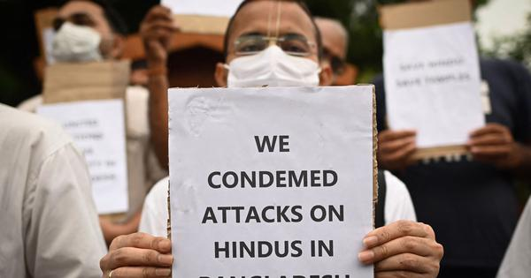 Bangladesh: 40 injured in clashes in Feni city during protest against vandalism of temples