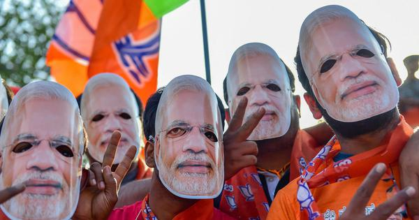 Ram Guha: Modi personality cult runs contrary to BJP's own objections to worship of individuals