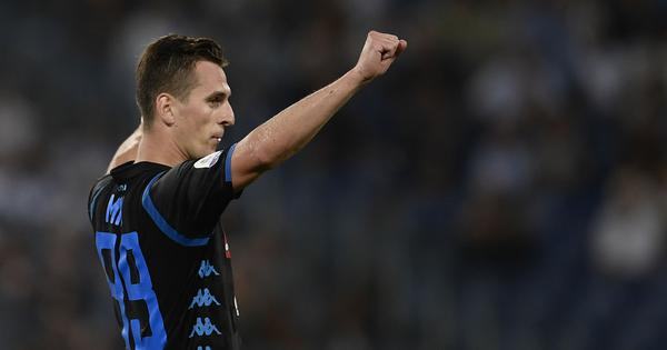 Napoli striker Milik robbed at gunpoint after Champions League victory over Liverpool