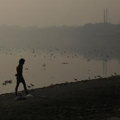 Delhi: Thick haze remains over city, air quality improves but still 'very poor'