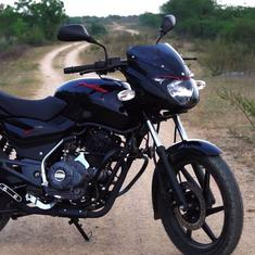 Bajaj Pulsar 150 Classic gets new colours, priced at Rs.65,500