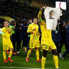 We love you Emi: Nantes pays tearful tribute to missing footballer Sala during Ligue 1 game