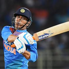 It was difficult for any batsman to score: Maxwell defends Dhoni for slow innings in Vizag T20I