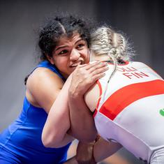 Sakshi Malik, two other World C'ships-bound wrestlers issued showcause notice for indiscipline