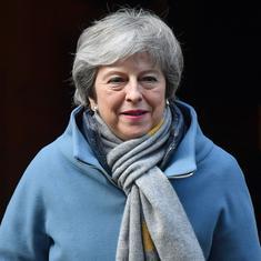 ब्रिटिश प्रधानमंत्री थेरेसा मे शुक्रवार को इस्तीफ़ा दे सकती हैं : रिपोर्ट