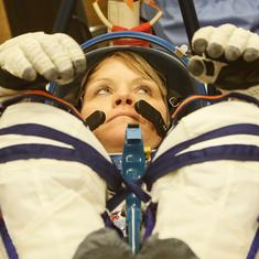How come NASA did not have enough right-sized suits for the first all-woman spacewalk ever?