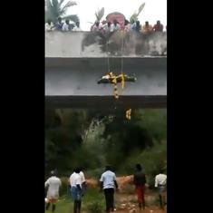 Watch: A Dalit's corpse had to be lowered from a bridge for cremation after being denied road access