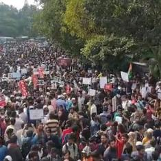 Chants of 'Inquilab', a rose for the police: Scenes from Bengaluru anti-Citizenship Act protests