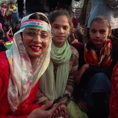 Watch: 'Raju ki mummy' aka comic Dolly Singh visits Shaheen Bagh protest site