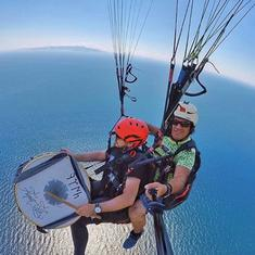 Watch: Turkish man plays drums while paragliding, sets new multitasking goals