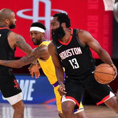 NBA wrap: Bucks rally to clinch top seed in Eastern Conference, Rockets beat LeBron-less Lakers