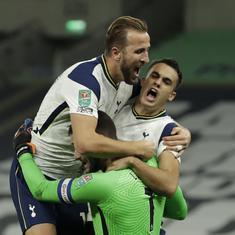 League Cup: Tottenham edge out Chelsea on penalties as Mourinho bemoans 'dangerous' schedule