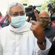 Bihar polls: Protestors throw onions at CM Nitish Kumar at rally in Madhubani