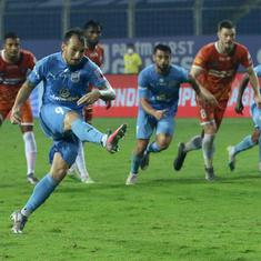 ISL highlights: Le Fondre's last-gasp penalty powers Mumbai City FC past ten-man FC Goa