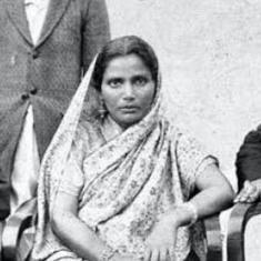 'Dust of the Caravan' is a Muslim woman's unique personal and political memoir