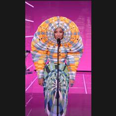 Watch: Singer Doja Cat's 'chair-on-the-head' and other looks from 2021 MTV Video Music Awards