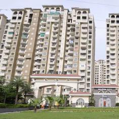 Supreme Court issues contempt notices to three directors of Amrapali Group